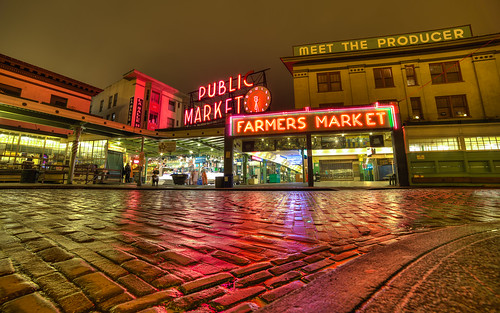 pikeplace seattle market morning reflection pacificnorthwest iconic cliche canon street road bricks downtown hdr canoneos5dmarkiii samyang14mmf28ifedmcaspherical washington johnwestrock