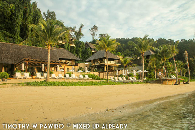 Malaysia - Kinabalu - Gaya Island Resort - Relaxing on the beach