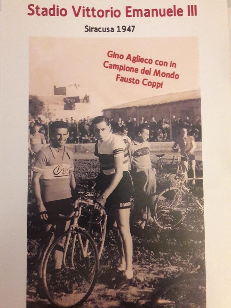 Gino Aglieco con il campione del mondo Fausto Coppi - Siracusa (1947)