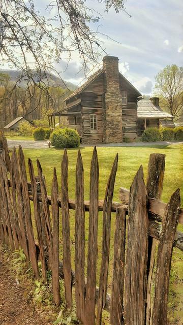 Homestead at Oconaluftee Center & Mountain Farm Museum, Great Smokies
