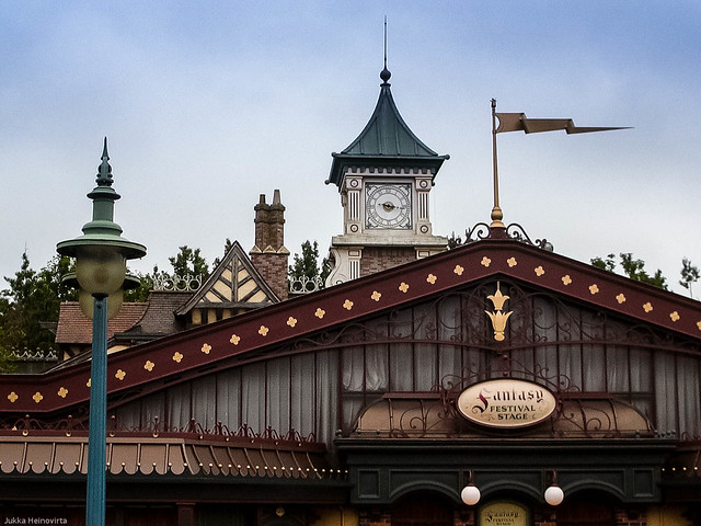 Fantasyland Railroad Station, Panasonic DMC-LC20
