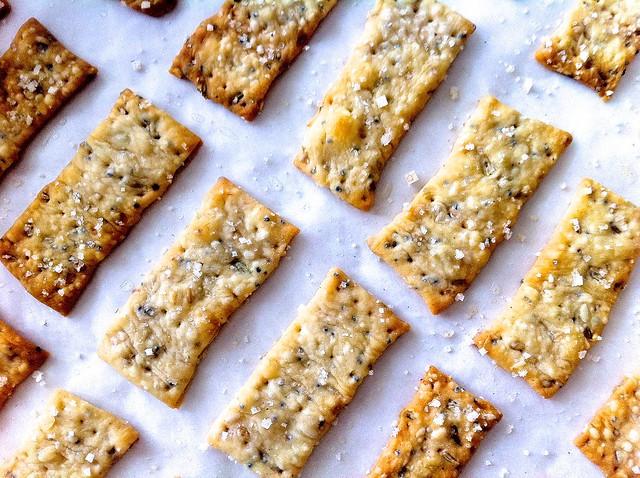 Crispy Fennel Seed Flatbread Crackers