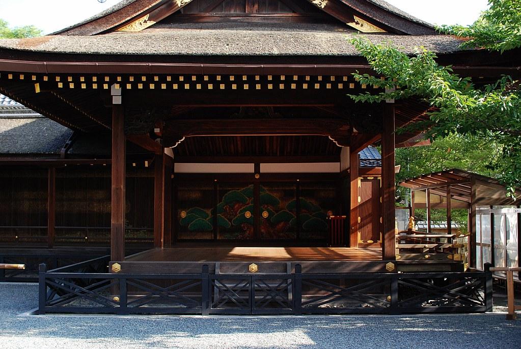 伏見稲荷大社 神楽殿