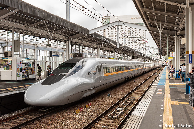 Shinkansen 700 Series-13