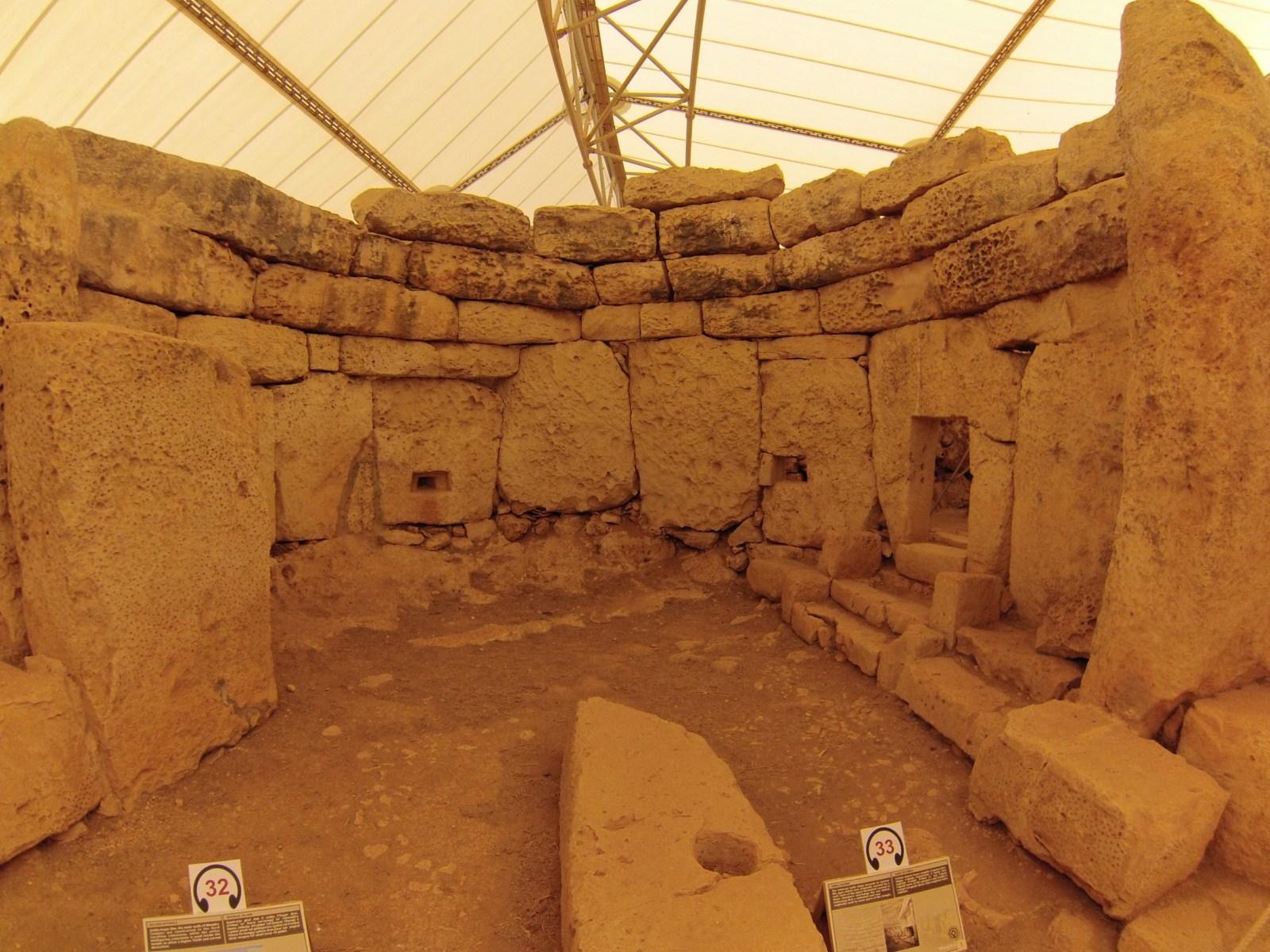 Templos de Hagar Qim y Mnajdra templos de hagar qim y mnajdra en malta - 9396296506 94f33b7b72 o - Templos de Hagar Qim y Mnajdra en Malta