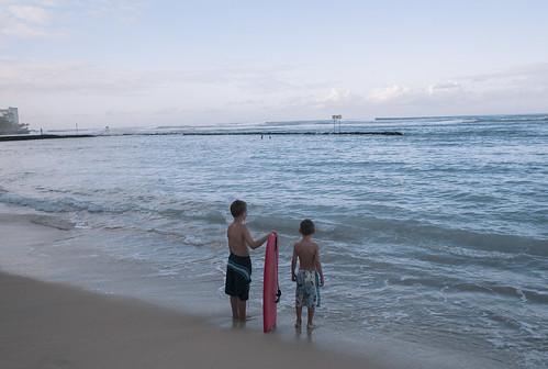 CB C9 06 015 Waikiki Beach M8et24a#
