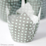 Star print tulip baking cups