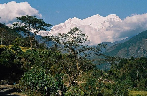 nepal mountain 2004 analog trekking trek landscape mount round himalaya annapurna sahar annapurnas canoneos300 besi himal lamjung