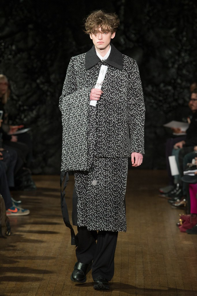 FW14 London Xander Zhou006_Ben Waters(VOGUE)