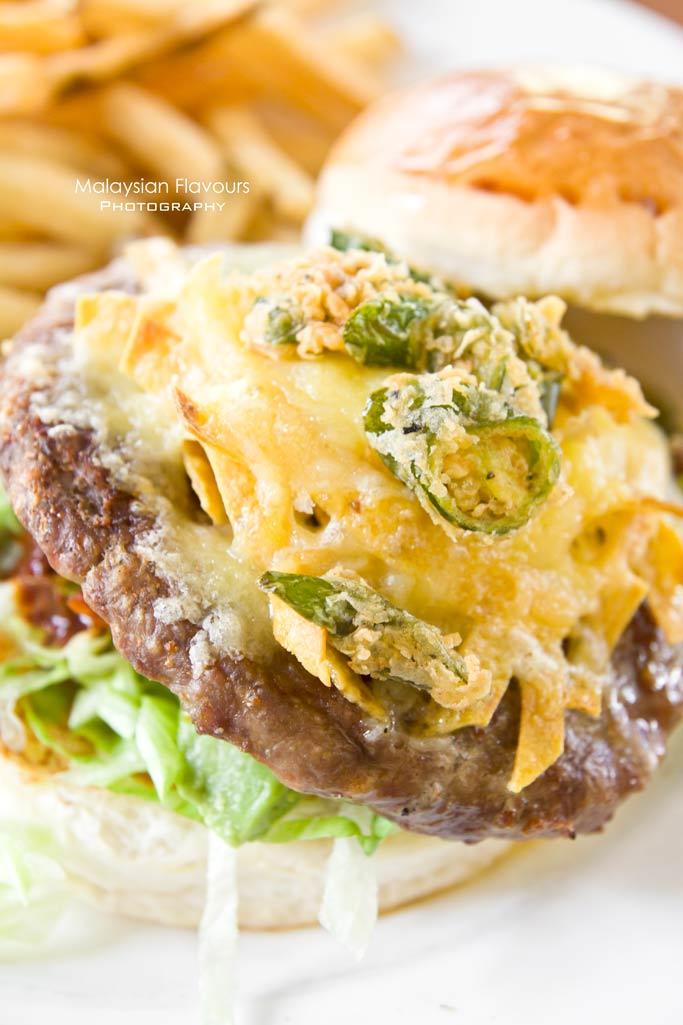 tony-roma's-new-beginnings-lamb-burgers