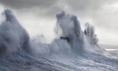 uk sea lighthouse seascape storm wales canon eos harbor surf gallery flood harbour britain cymru cardiff wave seawall caerdydd 5d porthcawl bristolchannel giantwave wentloog stevegarrington