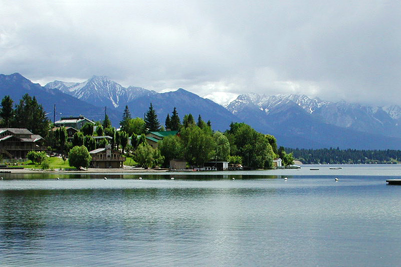 Kinsmen Beach in Invermere on Windermere Lake, Columbia River Valley, BC Rockies, British Columbia