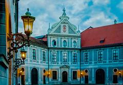 München, Residenz der bayrischen Herzöge, Kurfürsten und Könige. Der Brunnenhof im letzten Tageslicht
