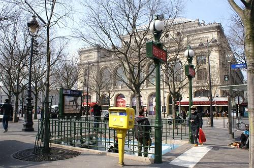 PICT0021/Paris City/Place du Châtelet/ Métro et salle le Châtelet