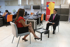 04/21/2017 - 20:03 - Quito, 22 de abril de 2017 (Andes).- Leidy Zúñiga, Ministra de Justicia en dialogo con Marco Antonio Bravo Director del programa Ecuador No Para. ANDES/Micaela Ayala V.
