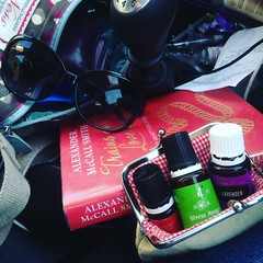 Mammy retreat time again, away early for dinner with friends. What I'm carrying in my bag all this week, some of my favourite things
