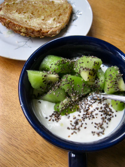 Plain Yogurt Kiwi Chia Seeds