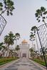 Sultan Omar Ali Saifuddien Mosque by Leonid Yaitskiy