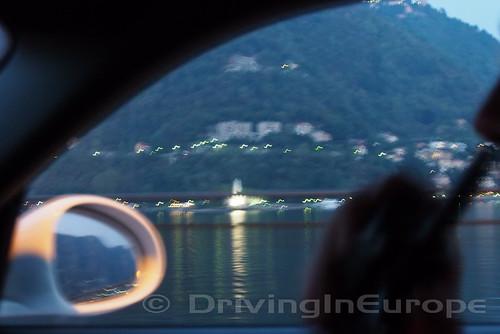 夕暮れのコモ湖
