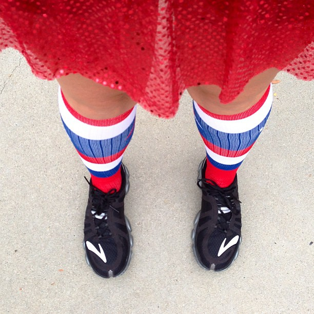 I'm a wee bit patriotic. Red @runteamsparkle skirt, red/white/blue @procompression socks, and you can't see in the pic but a blue/white @nuunhydration singlet! #5K #teamsparkle