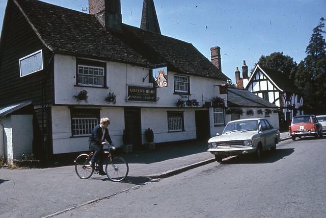 queen 39 s head pub chruchgate street harlow village essex. Black Bedroom Furniture Sets. Home Design Ideas