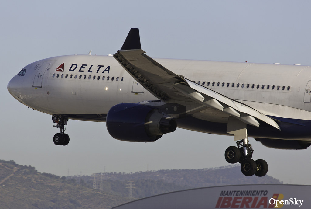 Delta Air Lines Airbus A330-323X N815NW