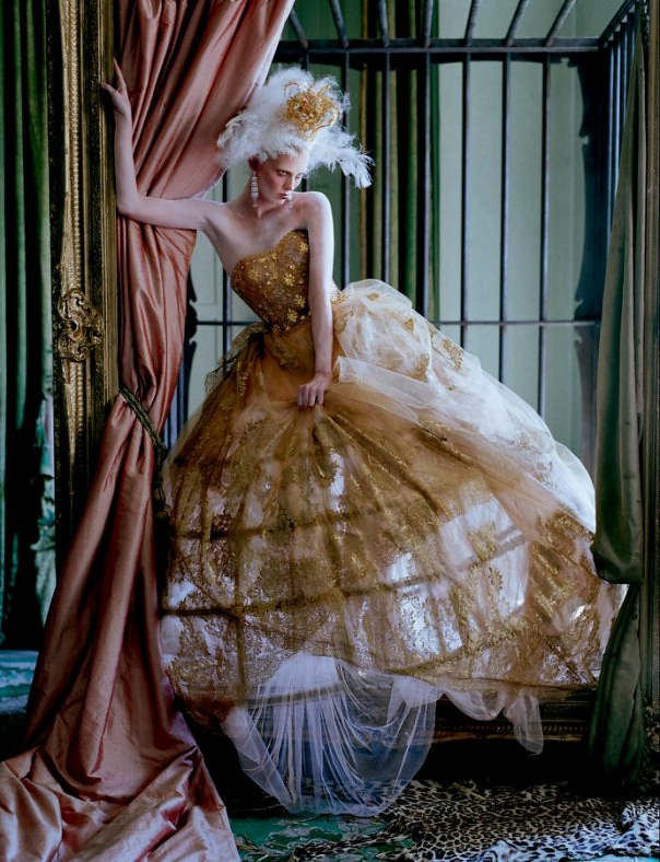 edie-campbell-karen-elson-by-tim-walker-for-love-magazine-10-fall-winter-2013-2014-17