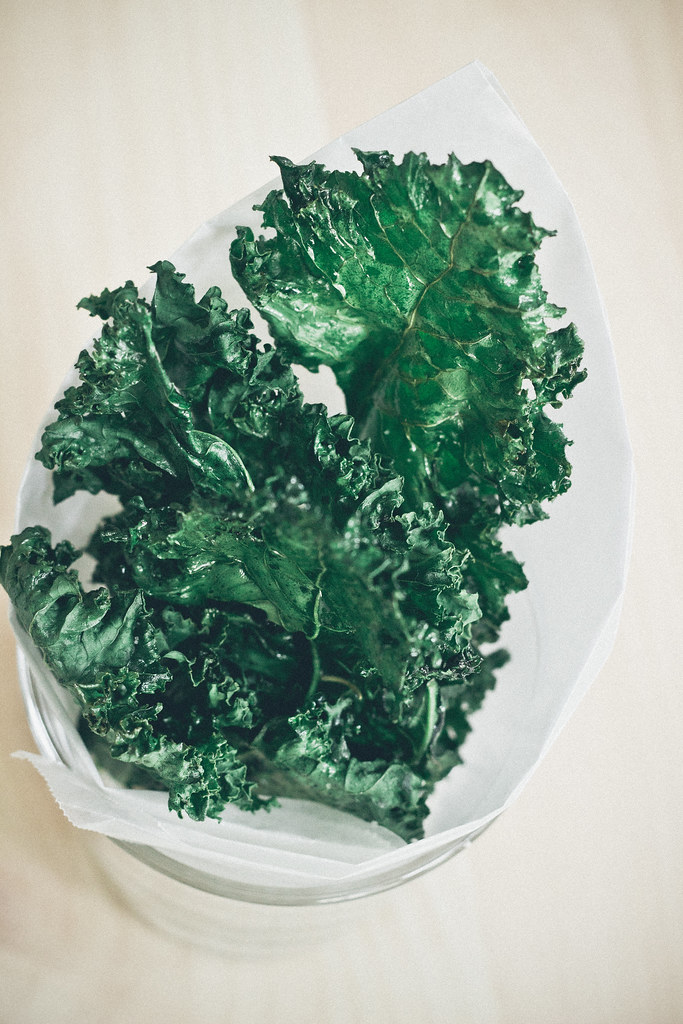 herbes de provence seasoned kale chips via chevrons and eclairs