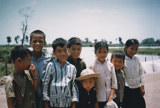 Grp of Village Kids 1964 - Đám trẻ ở xã