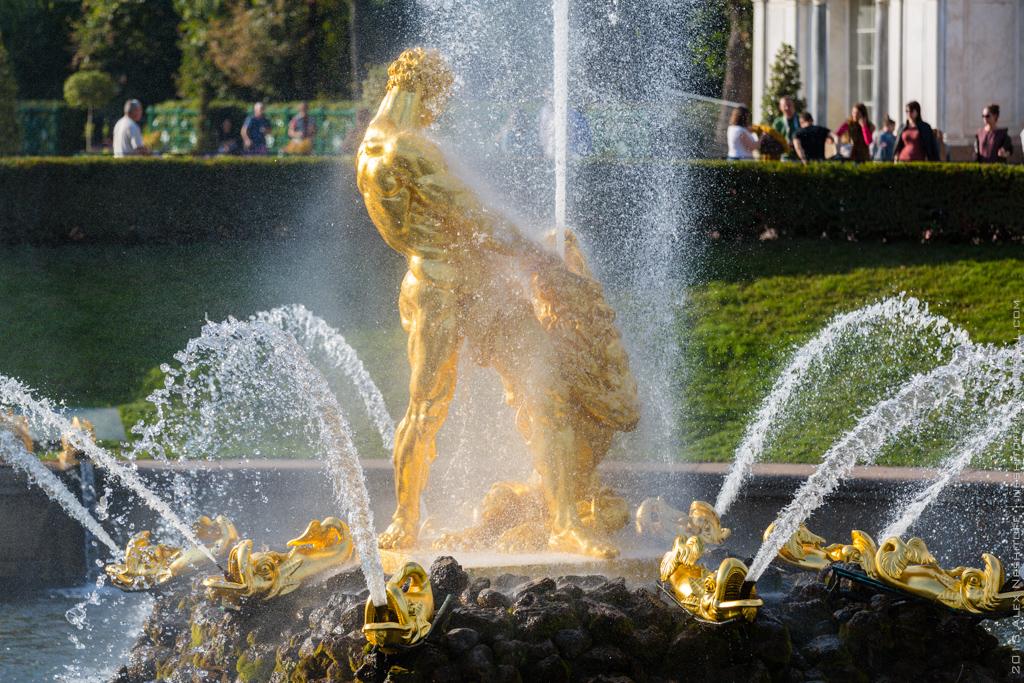 2013-Russia-Saint-Petersburg-Peterhof-030
