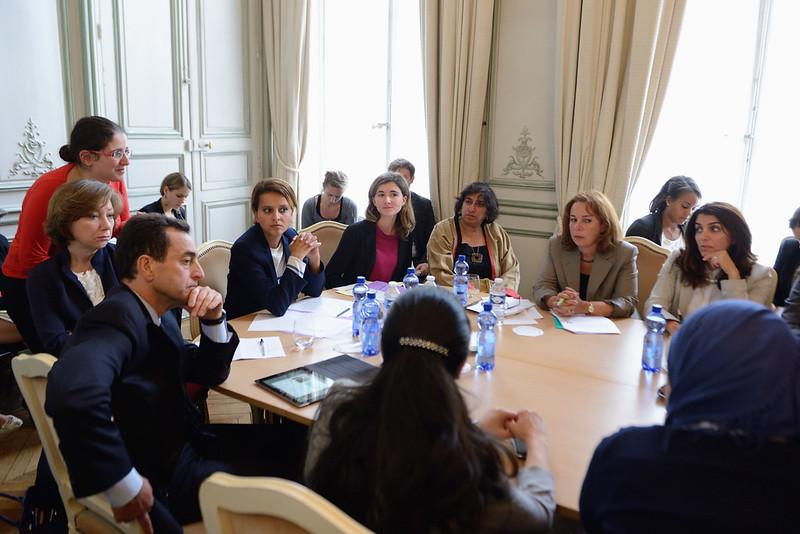 Le 11 septembre 2013, à la veille des réunions de l'Union pour la Méditerranée consacrées au rôle des femmes, Najat Vallaud-Belkacem a  souhaité rencontrer, écouter et échanger avec des femmes syriennes, issues de l'opposition et engagées pour la paix. Moment grave, intense, émouvant.