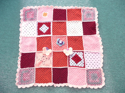 Thanks to everyone for sending in Squares for this Blanket.