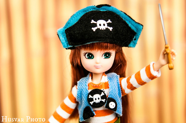 pirate queen lottie doll in_the_know_mom