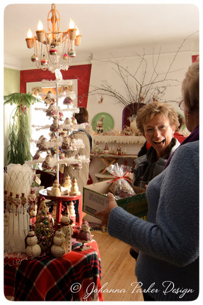 Open-House-Happy-Shoppers