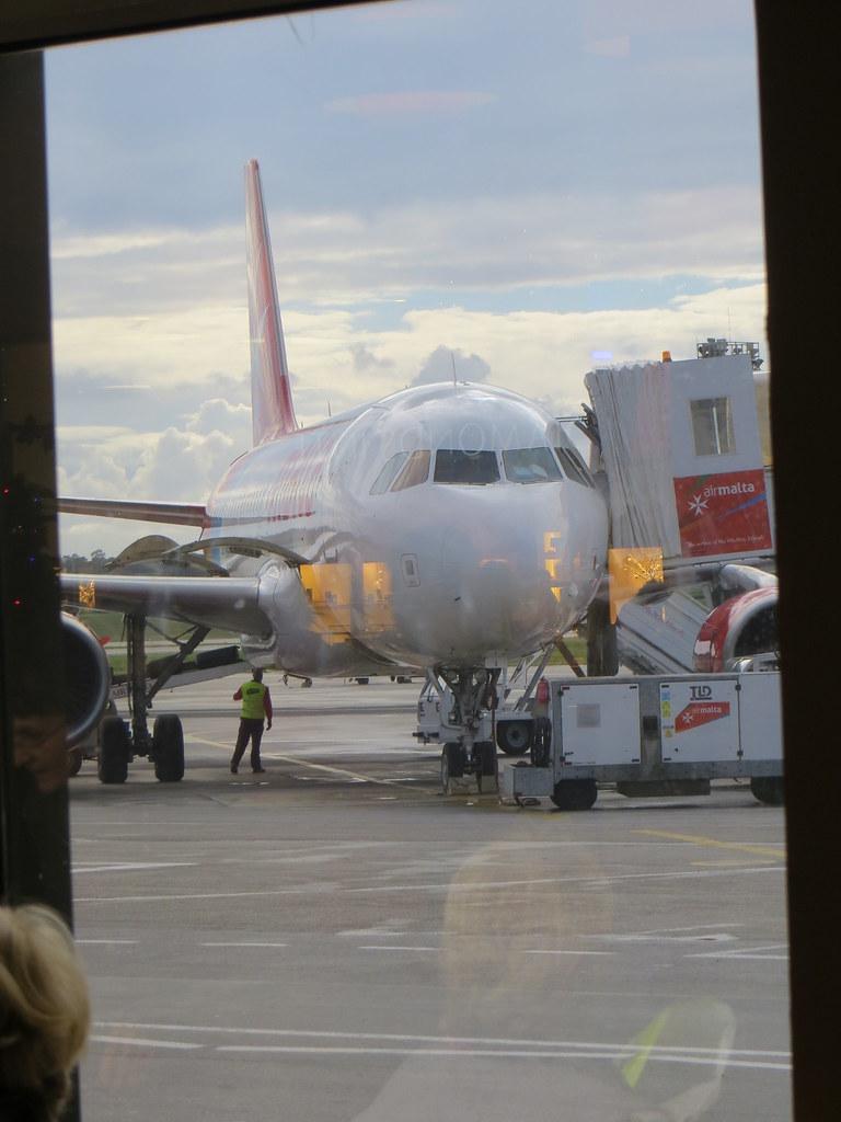 Malta (Valletta/Luqa) Airport (MLA / LMML) 11717966124_1de3b8e0e2_b