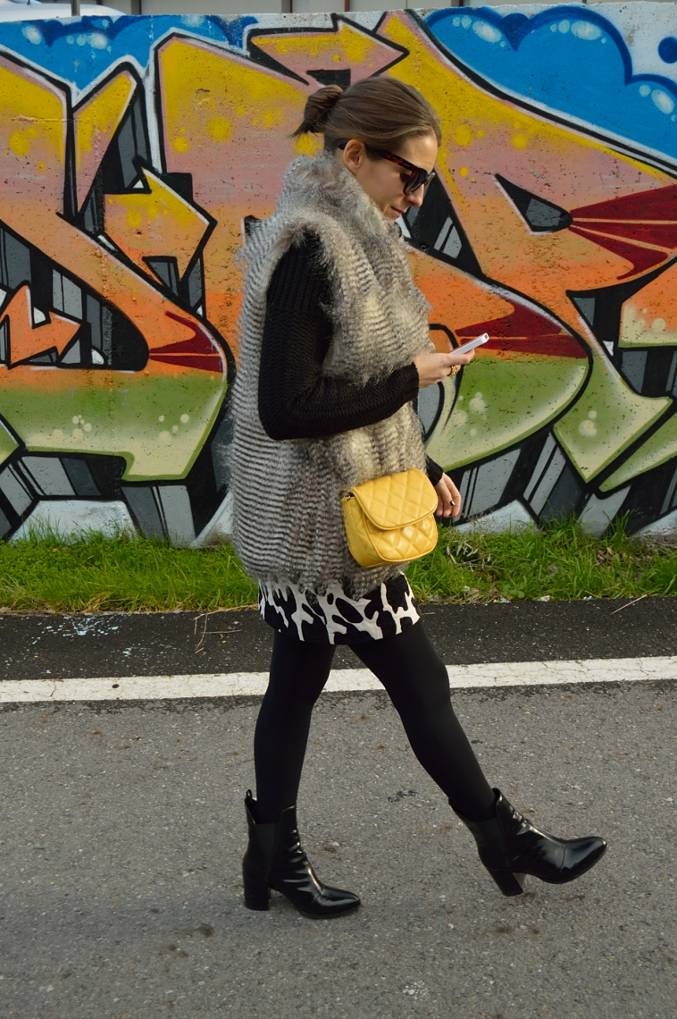 lara-vazquez-madlula-blog-yellow-black-outfit-chic