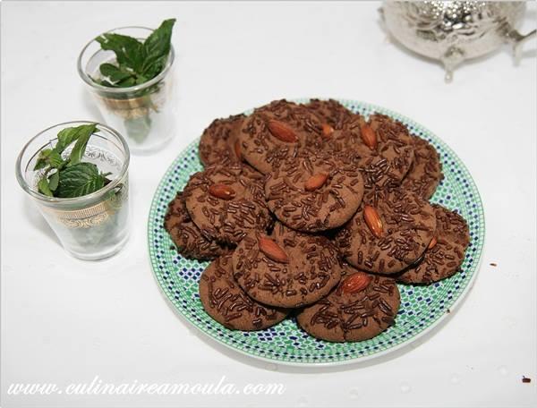 Ghriba au chocolat  http://www.culinaireamoula.com/article-ghriba-au-chocolat-122017196.html