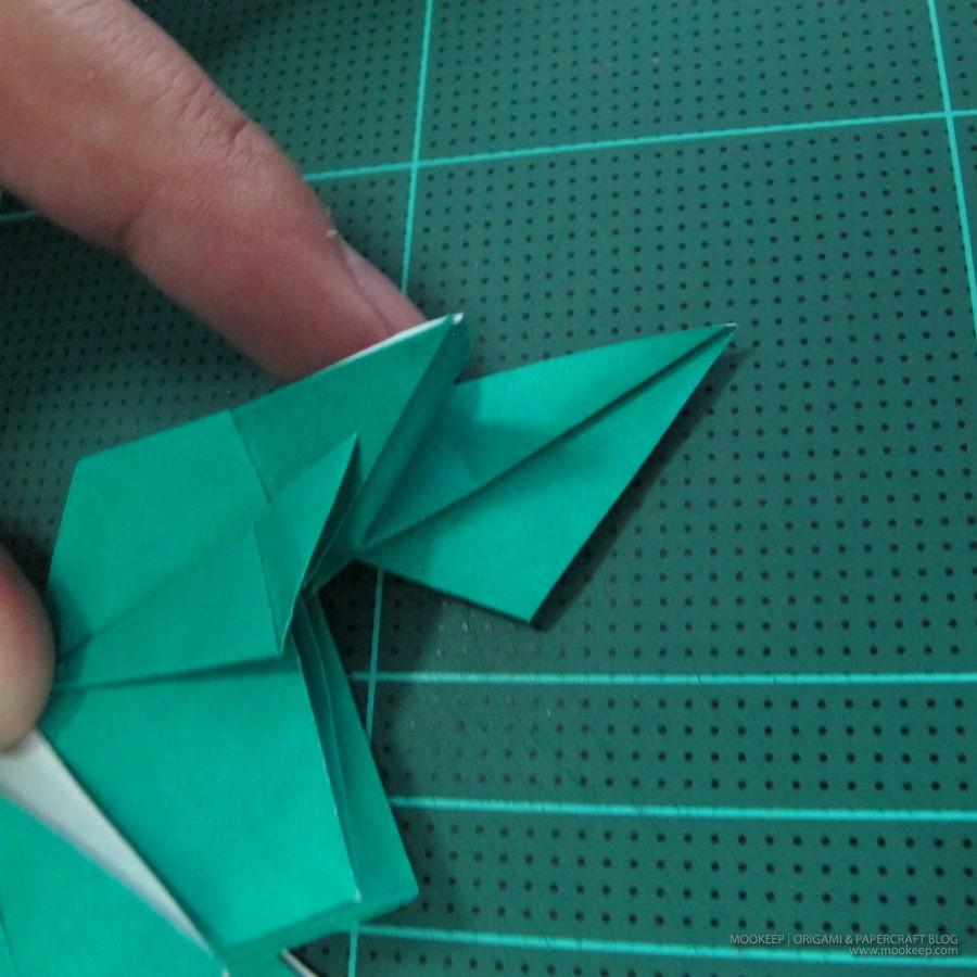 วิธีพับกระดาษเป็นรูปหมู (Origami Pig) 030