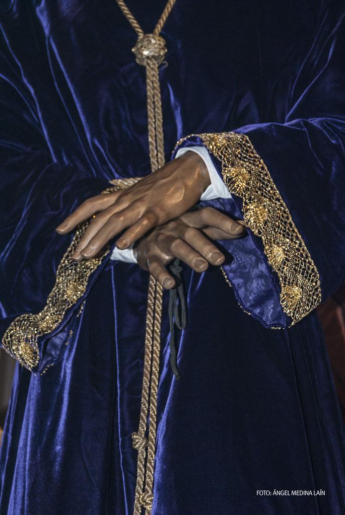 Detalle de las manos de la imagen de Padre Jesús. Según publica Pedro Marín en su libro