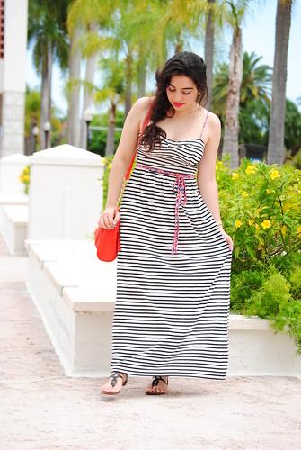 http://earnestyle.blogspot.com/2014/04/the-striped-maxi-dress.html