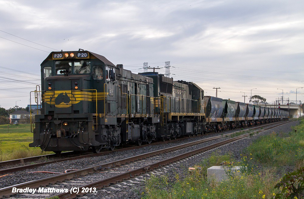 P20-XR552 on #9318 up Apex to Brooklyn at Glenroy (29/5/2013) by Bradley Matthews