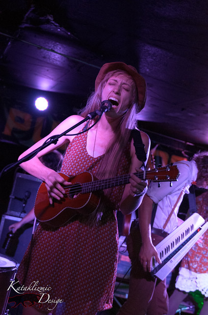 Lauren Mann & The Fairly Odd Folk @ Pub Rock Live 07-19-13