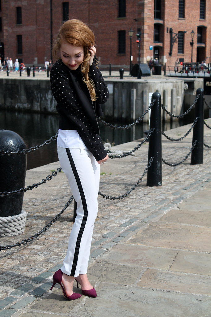 Monochrome outfit (5)