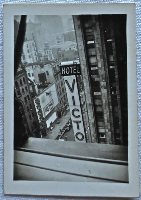 1940s NYC Vintage New York City TIMES SQUARE HOTEL VICTOR