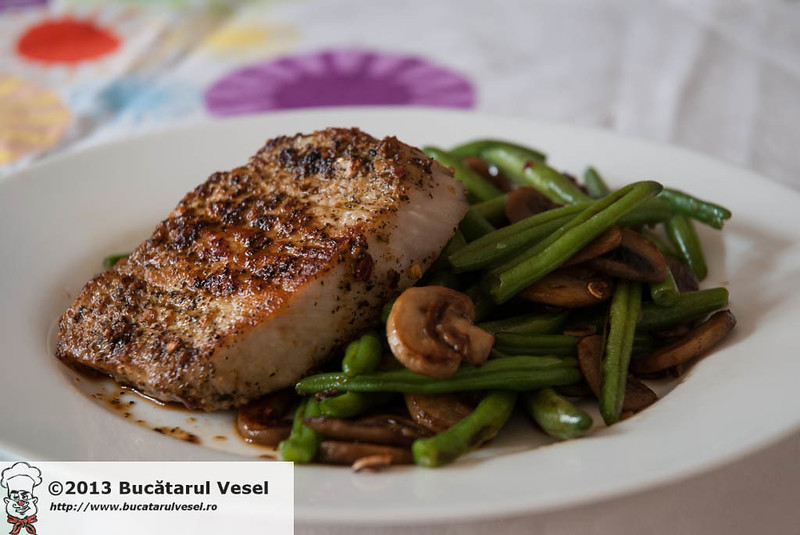 Pork steak with green beans and mushrooms