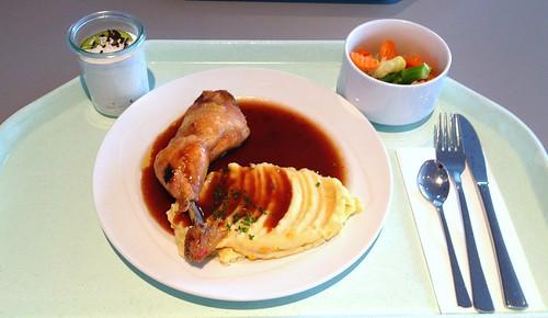 Hähnchenkeule mit Kartoffel-Maispüree und Rotweinjus