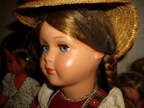 Les poupées de ma maison  11404759373_3a6c62fe41