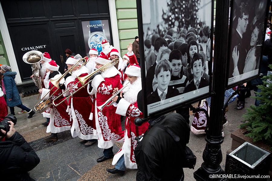 Moscow Christmas parade 2013 ©binorable.livejournal.com