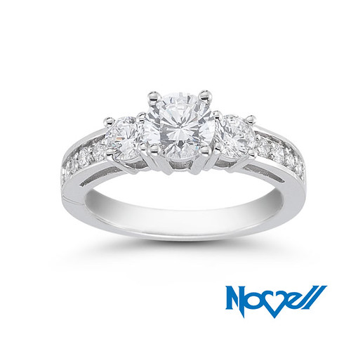 engagement-ring-E2562-LC-25X75