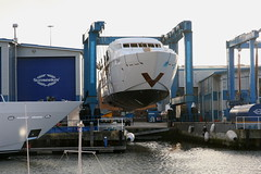 Sunseeker boat lift, Poole